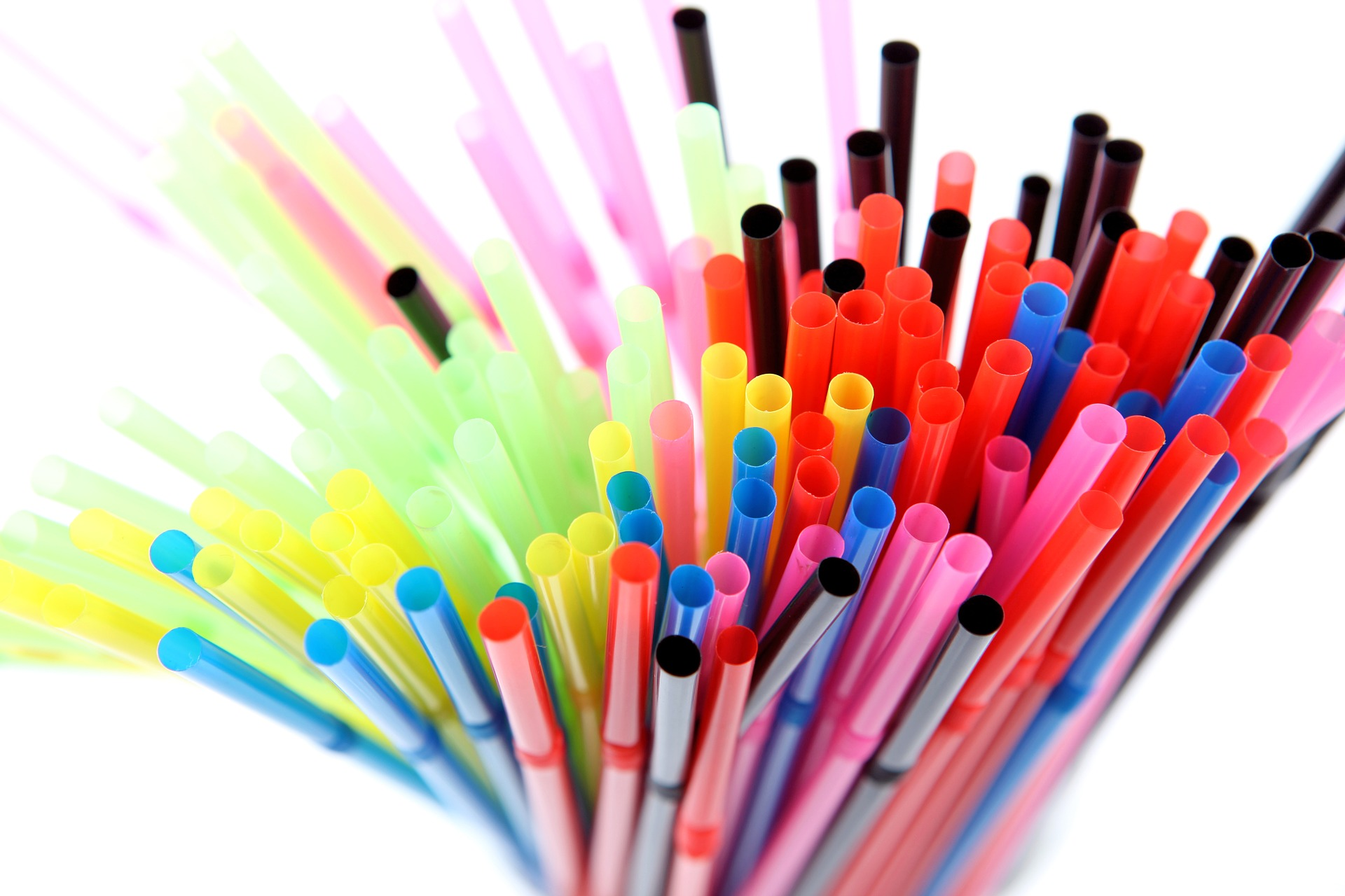 multi coloured plastic straws