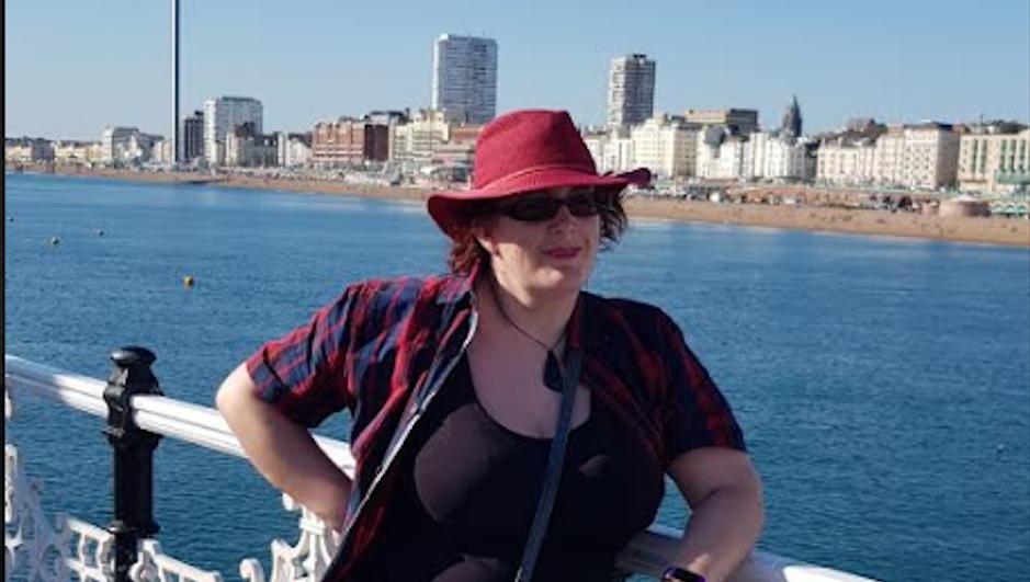 image of kitty stood on brighton pier